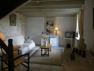2 bedroom Gite with Short Breaks Allowed in Moussoulens - Moussoulens vacation rentals