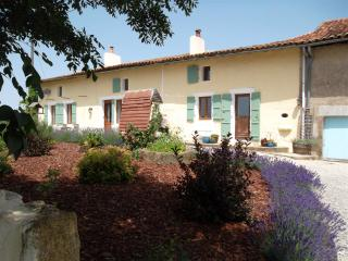 Lovely 2 bedroom Gite in Montbron - Montbron vacation rentals