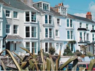 Cozy 2 bedroom Falmouth Apartment with Internet Access - Falmouth vacation rentals