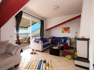 Mammamiachecasa - Smith - FREE wifi unlimited - Scauri vacation rentals