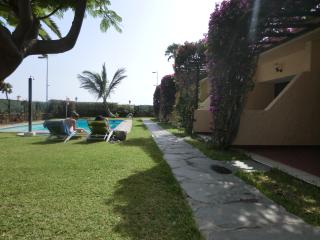 Adorable Bungalow with Fax Machine and Satellite Or Cable TV - Maspalomas vacation rentals