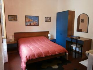 Guest House in Florence - Florence vacation rentals