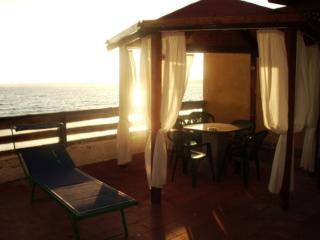 Chalet con accesso sul mare - Fanusa vacation rentals