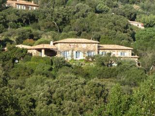 Chambres d'Hôtes  MASSACAN  terrasse vue MER - Le Lavandou vacation rentals