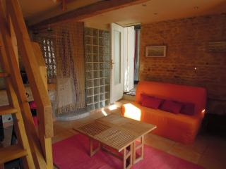 Romantic 1 bedroom House in Caen - Caen vacation rentals