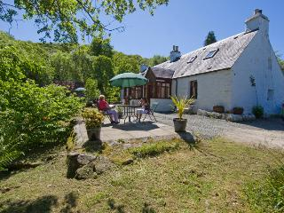 2 bedroom Cottage with Parking in Strachur - Strachur vacation rentals