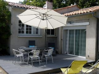 2 bedroom House with Internet Access in Ile d'Oleron - Ile d'Oleron vacation rentals