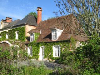 La Petite Maison, the Gatehouse - Excideuil vacation rentals