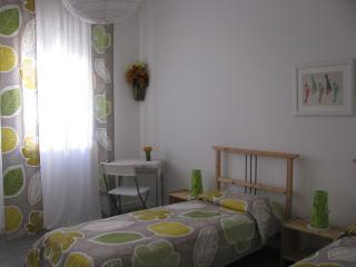 Cozy 2 bedroom Padua Bed and Breakfast with Internet Access - Padua vacation rentals