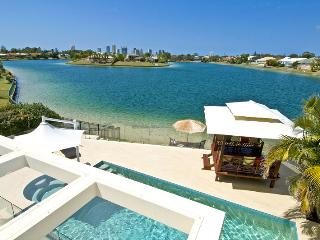 Broadbeach Waterfront  Luxury Beach house - Broadbeach vacation rentals