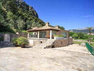 4 Bed Walk To Pollensa AH1952 - Pollenca vacation rentals