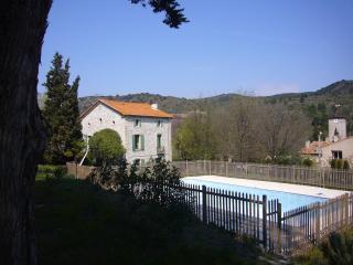 Nice 4 bedroom House in Cascastel-des-Corbieres - Cascastel-des-Corbieres vacation rentals