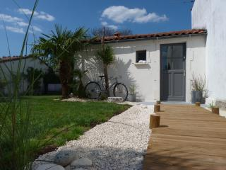 Nice Bed and Breakfast with Internet Access and Television - Saintes vacation rentals