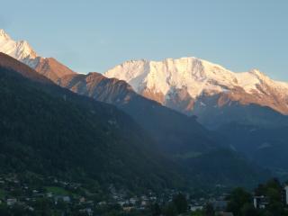 St Gervais les Bains, Apt for summer/winter hols. - Saint Gervais les Bains vacation rentals