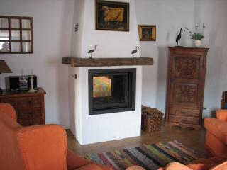 Lovely House with Satellite Or Cable TV and Television - Figueira vacation rentals