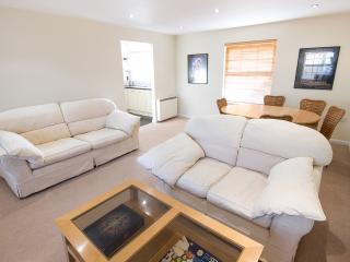 2 bedroom Apartment with Internet Access in Hemel Hempstead - Hemel Hempstead vacation rentals