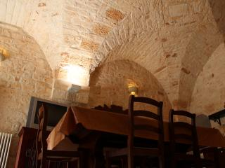Adorable 5 bedroom Villa in San Michele Salentino with Linens Provided - San Michele Salentino vacation rentals