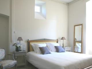 Cozy 1 bedroom Cherbourg-Octeville Guest house with Internet Access - Cherbourg-Octeville vacation rentals
