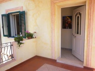 Appartamento Nuovo e Luminoso nel golfo di Orosei - Orosei vacation rentals