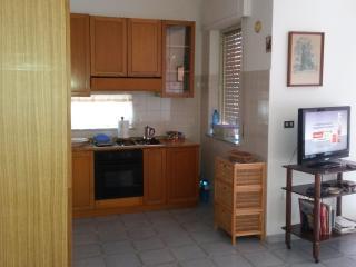 Cozy 2 bedroom Apartment in Isola di Capo Rizzuto - Isola di Capo Rizzuto vacation rentals