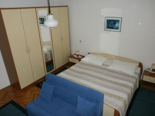 Lovely 2 bedroom Apartment in Lovran with Parking - Lovran vacation rentals