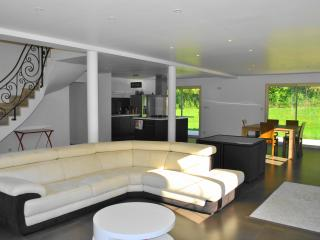 Nice Villa with Private Outdoor Pool and Balcony - Coly vacation rentals
