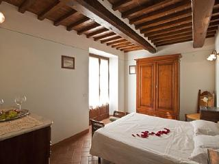 Beautiful 2 bedroom Montecchio House with Deck - Montecchio vacation rentals
