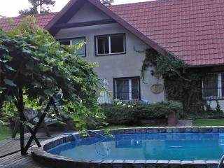 JUST OUTSIDE WARSAW, RELAX ! - Warsaw vacation rentals