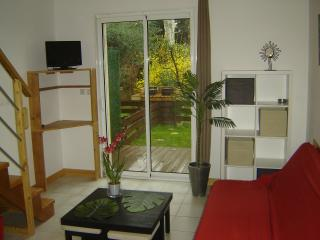 Nice Gite with Internet Access and A/C - Mireval vacation rentals