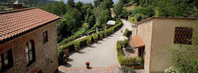 Bright Guest house in Pistoia with Housekeeping Included, sleeps 12 - Pistoia vacation rentals