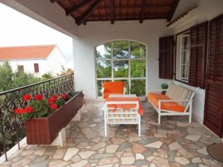 Wonderful Komo Apartment - Splitska vacation rentals