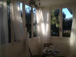Wonderful 1 bedroom Desenzano Del Garda Villa with Deck - Desenzano Del Garda vacation rentals
