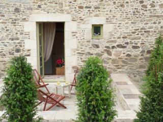 4 bedroom Gite with Internet Access in Corseul - Corseul vacation rentals