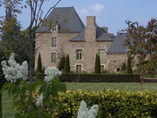 Nice Gite with Internet Access and Dishwasher - Corseul vacation rentals