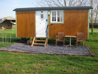 Perfect 1 bedroom Shepherds hut in Beccles - Beccles vacation rentals