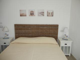 Nice 2 bedroom La Maddalena Condo with Short Breaks Allowed - La Maddalena vacation rentals