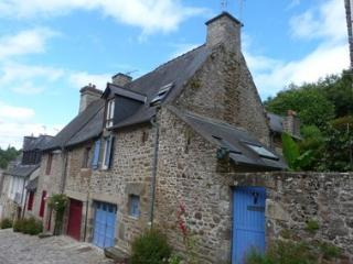 Beautiful House with Internet Access and Satellite Or Cable TV - Dinan vacation rentals