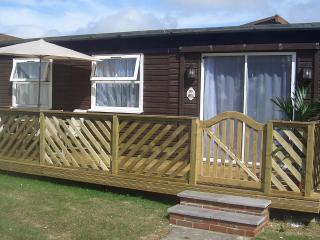 Beautiful 2 bedroom Bungalow in Chichester - Chichester vacation rentals