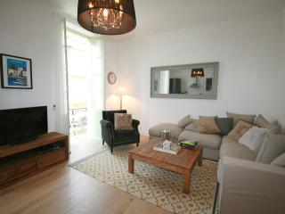 Luxury 3 Bed Apartment, 70 Metres From Seafront - Nice vacation rentals