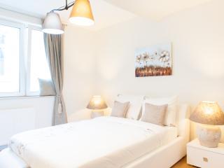 Duplex 4p backup - Brussels vacation rentals