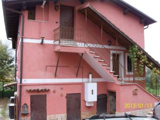 Bright 4 bedroom House in Cave - Cave vacation rentals