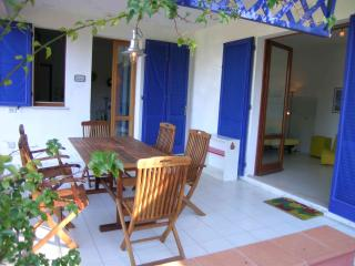 Garden-oriented ample 2-bedrooms apartment on Elba - Procchio vacation rentals