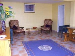 Wonderful 2 bedroom Apartment in Villeneuve les Beziers with Internet Access - Villeneuve les Beziers vacation rentals