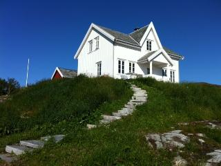Nice 4 bedroom Hitra House with Internet Access - Hitra vacation rentals