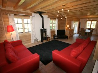 Lovely 5 bedroom Chalet in Morillon with Internet Access - Morillon vacation rentals