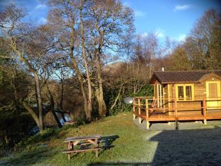 Romantic Riverside Lodge near Pucks Glen Dunoon - Dunoon vacation rentals