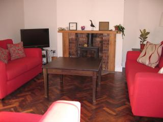 Beautiful 3 bedroom Cottage in Newcastle-under-Lyme - Newcastle-under-Lyme vacation rentals