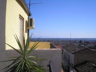 Nice Townhouse with A/C and Television - Casalbordino vacation rentals