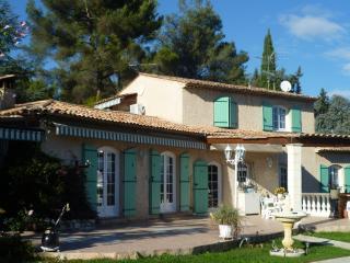 Cozy 2 bedroom Roquefort les Pins Gite with Internet Access - Roquefort les Pins vacation rentals
