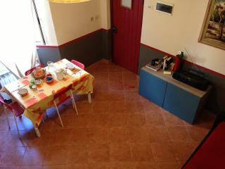 Charming Townhouse in La Spezia with Deck, sleeps 4 - La Spezia vacation rentals